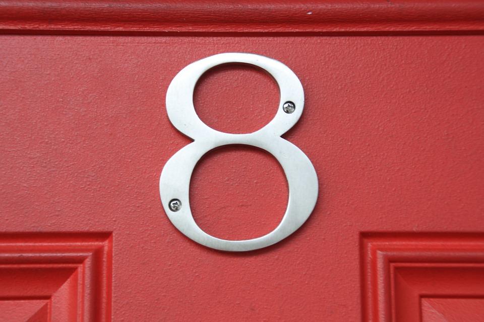 osmička na dveřích